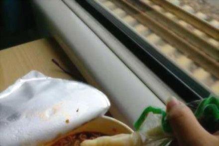 当你吃泡面没有筷子也没有叉子的时候千万不!要!放弃~