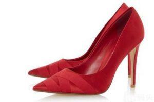 推荐几款千元以内的高跟鞋品牌-1