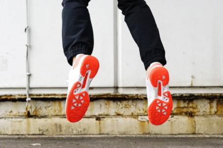 adidas羽毛球鞋测评?介绍一下?-3