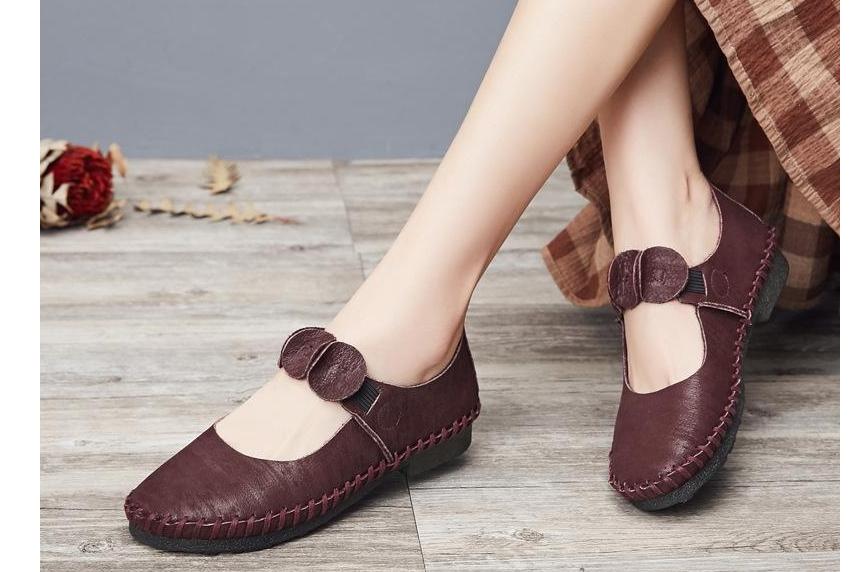2018年女鞋的流行款式?淘宝上卖的好的女鞋旗舰店有哪些?-3