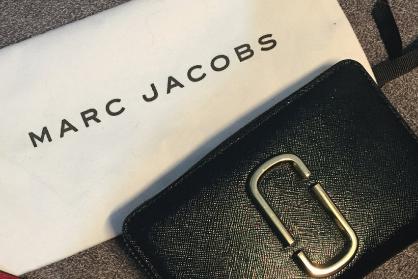 Marc Jacobs短款钱包质量好吗?方便使用吗?-1