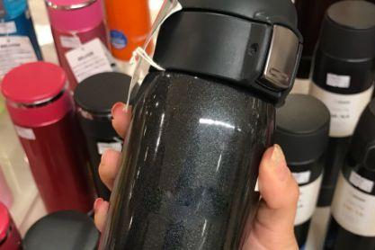 日本象印保温杯质量好吗?盖子可以一键开启和锁上吗?-1