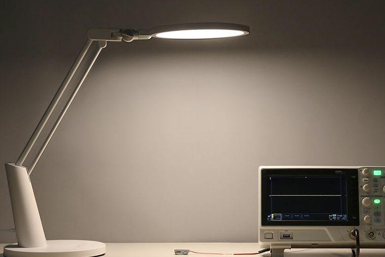 yeelight led台灯如何使用?有什么优缺点?-1