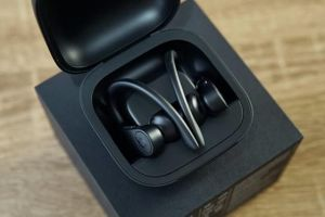 真机开箱:POWER BEATS PRO,支持语音唤醒Siri,左右耳独立使用-3