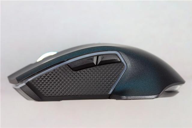 鱼和熊掌可以兼得?雷柏V20 pro双模游戏鼠标评测-2